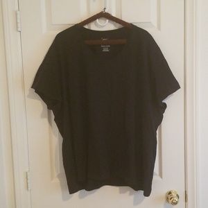Black V-neck T-shirt 5X